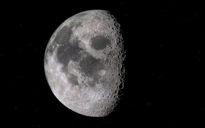 Vides professionnels dans le CV comme des cratères sur la lune